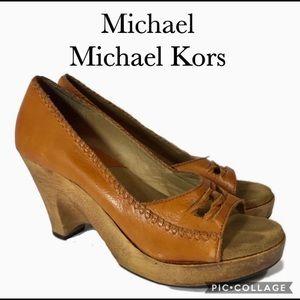 Michael Michael Kors wooden wedge open toe heel 6